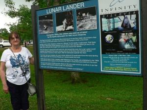 Linda lunar lander